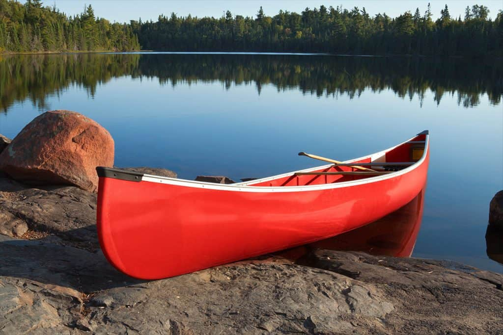 How Much Does a Fiberglass Canoe Weigh?